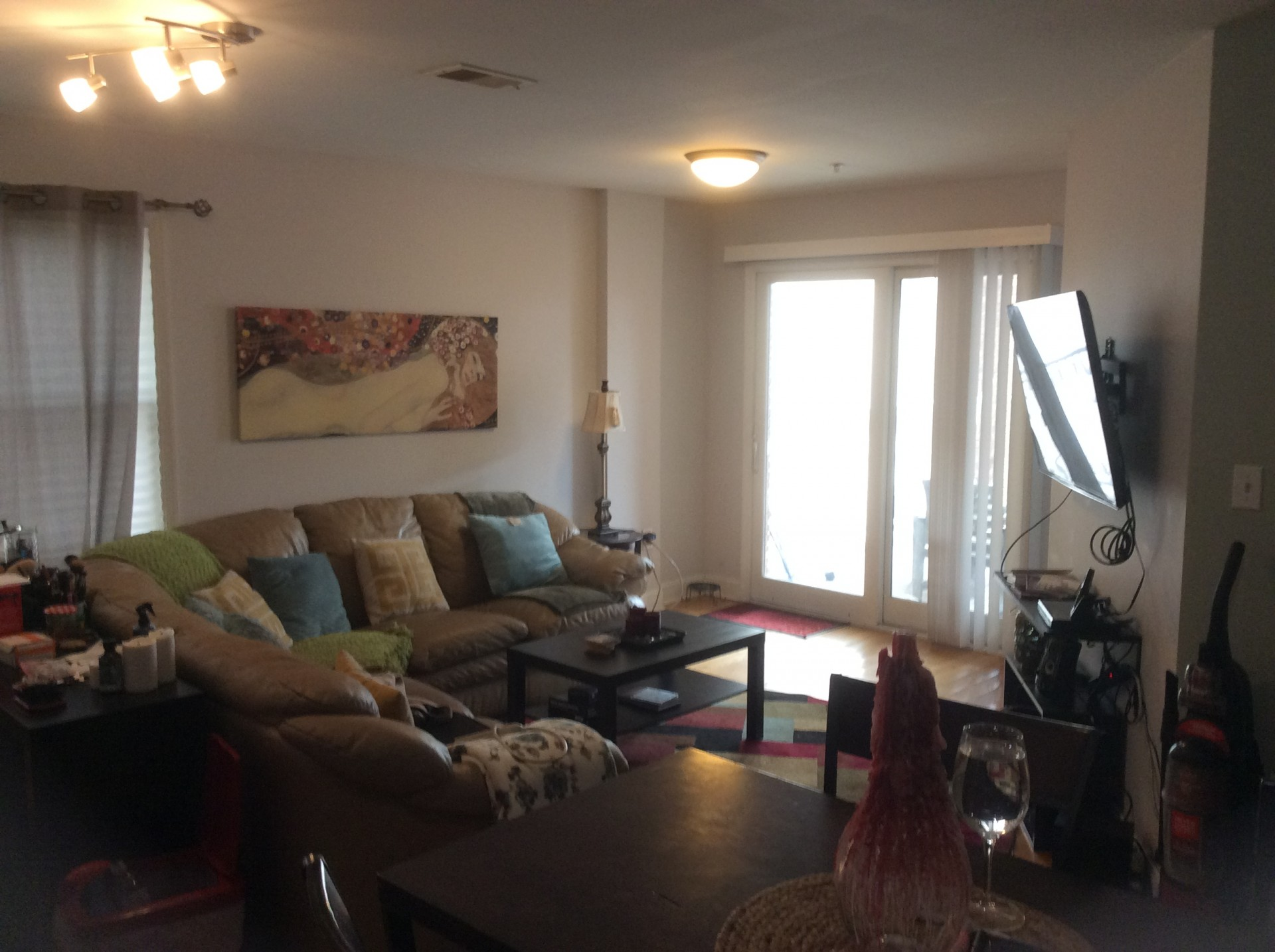 Marvelous $245K U2013 UNION CITY, NJ 2 BEDROOM CONDO W/ 2 PARKING SPACES U2013 10 MINUTES TO  NYC! CONTRACT SALE!